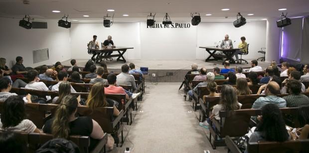 A repórter Sylvia Colombo, o cartunista Caco Galhardo, o sociólogo Demétrio Magnoli e a diretora de revistas Cleusa Turra participam de debate na Folha (Foto: Fabio Braga/Folhapress)