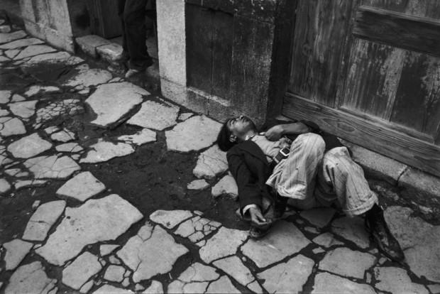 """Fotografia """"México"""", tirada por Cartier-Bresson na década de 1930. (Crédito: Henri Cartier-Bresson/EFE)"""