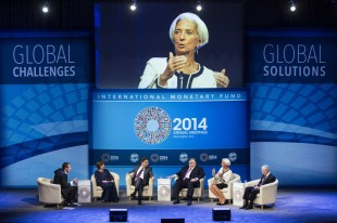Discussão sobre a economia global no Annual Meetings de 2014. (Crédito: Joshua Robert 9-out-2014 / AFP)