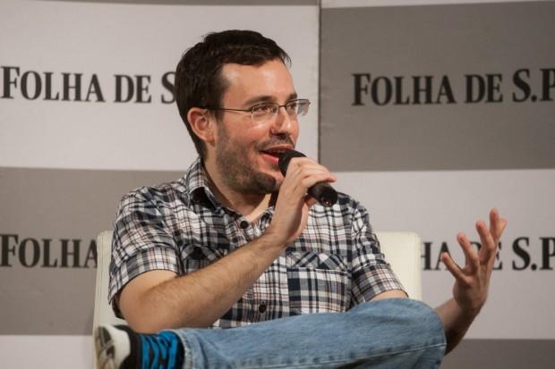 O escritor e colunista da Folha Antonio Prata (Crédito: Raquel Cunha/Folhapress)