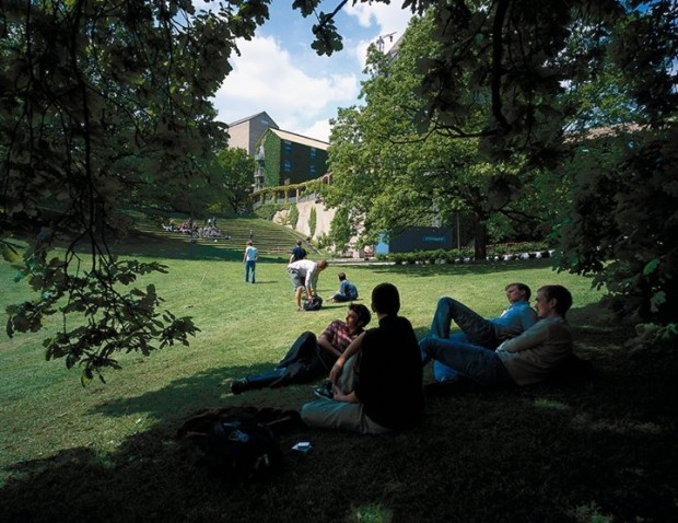 Campus da Universidade Aarhus, na Dinamarca (Foto: Reprodução/Facebook)