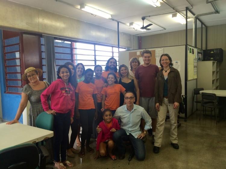 1 - Os jornalistas Gregory Frank Amante, Saundra Marie Amrhein e Birgit Rieck visitaram CEU Paz, no Jardim Paraná, Brasilândia, zona norte de SP
