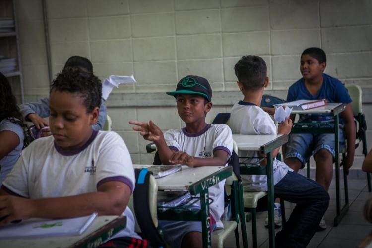 Alunos do sexto ano da escola municipal Elias Shammass, na Cidade Tiradentes, zona leste de SP