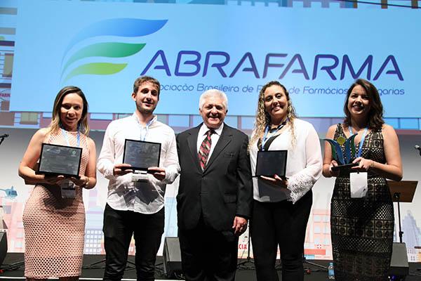 Associação premia reportagens sobre o varejo farmacêutico pátrio
